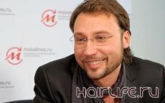Стилист из России отправится в мировой тур со своим масштабным шоу парикмахерского искусства