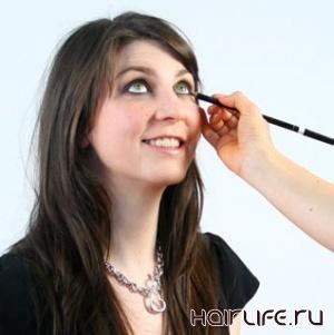 Профессионалы раскрыли секреты макияжа