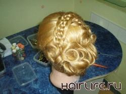 Для начинающих парикмахеров в июле будет проведен курс «Моделирование причесок»