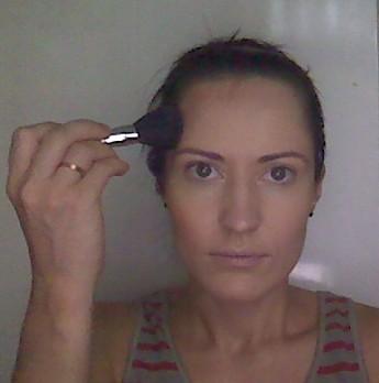 2. Корректируем форму лица.